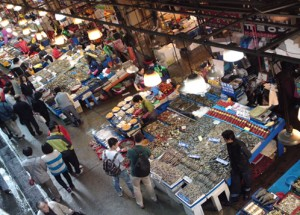 Fresh seafood in Noryanggin market